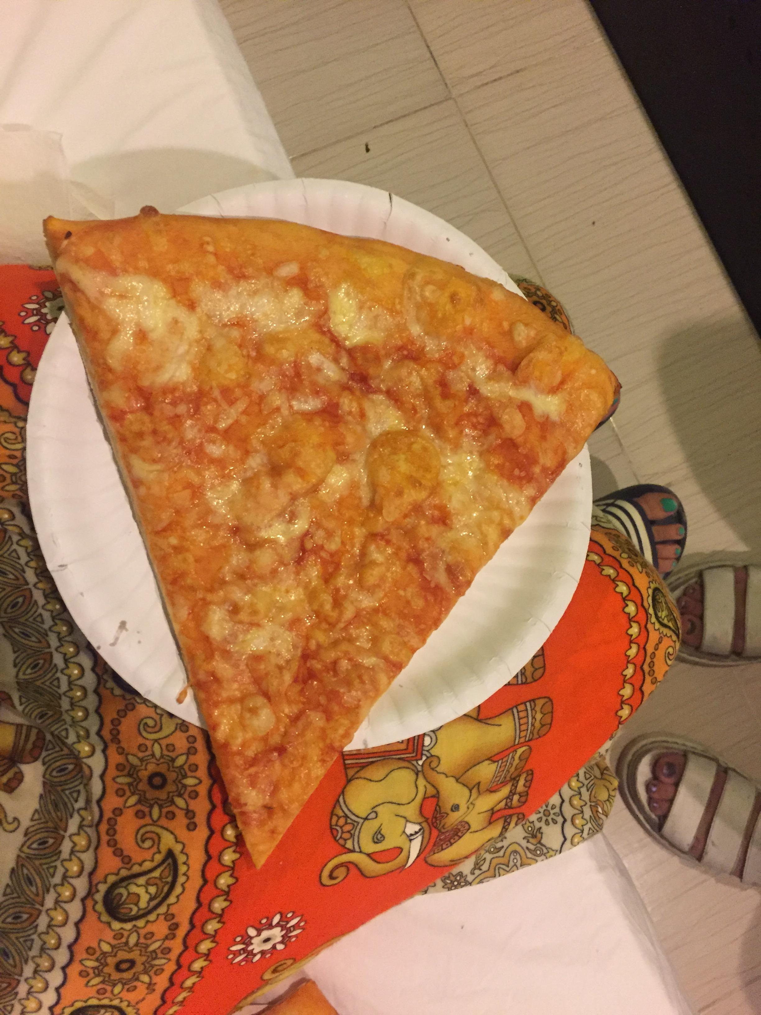 giant pizza.JPG